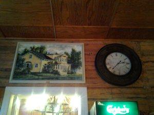 Kuva kartanosta ja kellosta :)